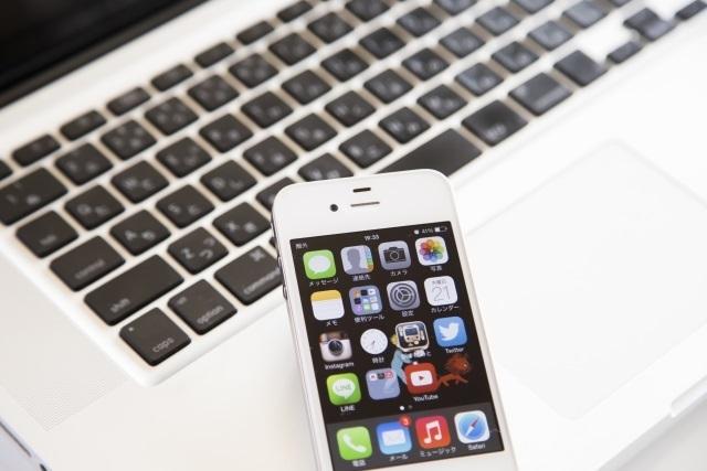 ブログ記事画像_パソコンとスマートフォン